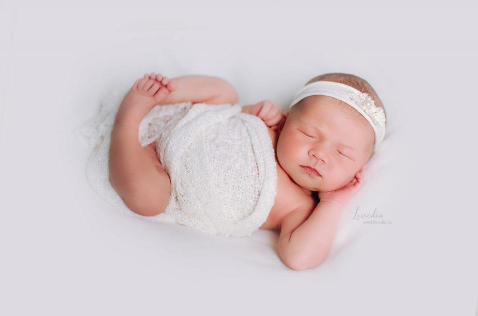Neugeborenen- und Babybilder