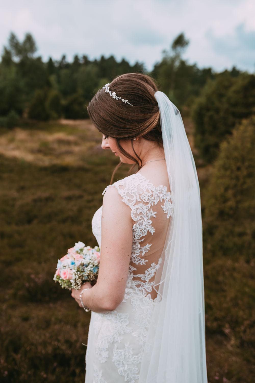 Hochzeitsfotograf für kreative und emotionale Hochzeitsportraits & Hochzeitsreportagen in der Lüneburger Heide