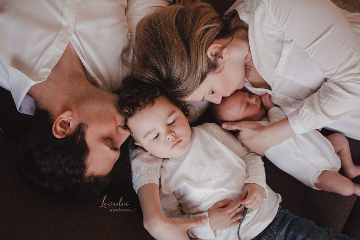 Babyfotografie - Neugeborenenfotografie bei Ihnen zu Hause