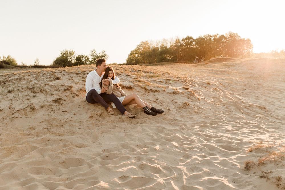 Romantisches Paar-Shooting. Authentische und romantische Fotos als eine Art Lovestory.