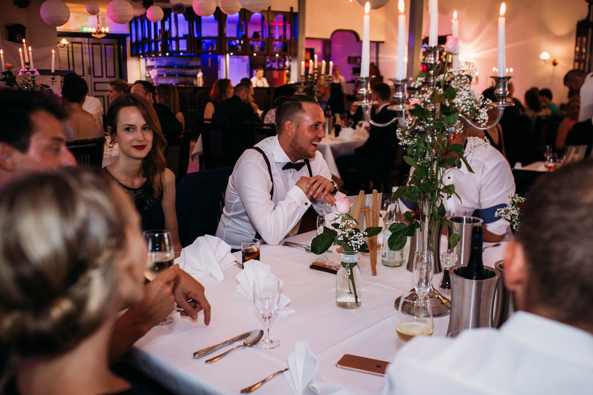 Hochzeitsfotograf für kreative und emotionale Hochzeitsportraits & Hochzeitsreportagen in Jork