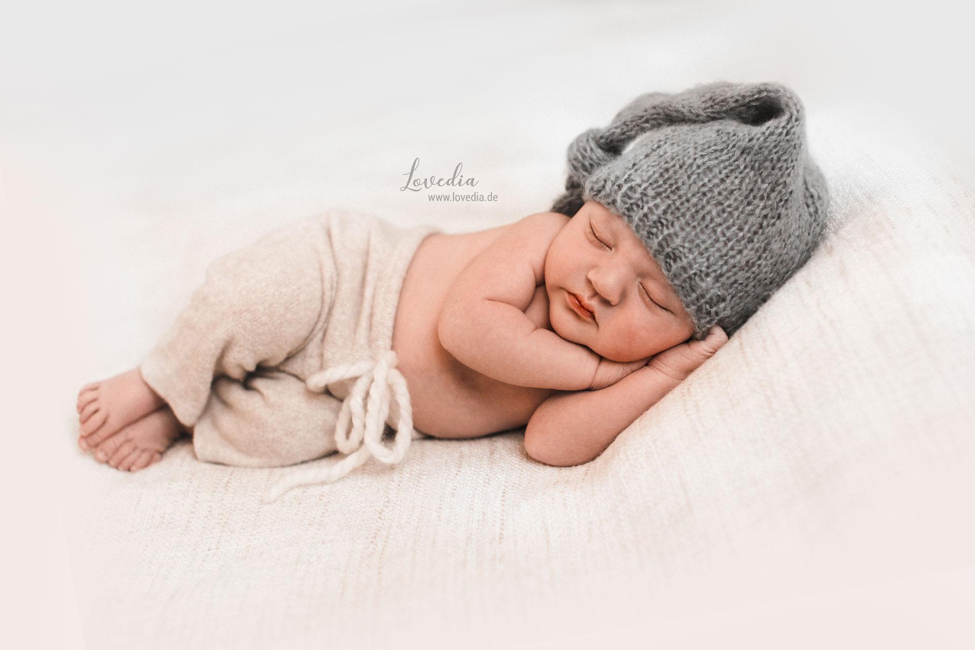 Fotoshooting für Neugeborenen und Babys in Hamburg und Stade