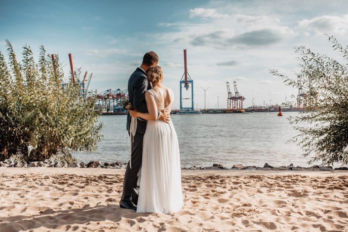 Als Hochzeitsfotograf in Hamburg am Elbstrand